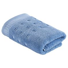 """Auf dieses flauschige Handtuch in Blau von VOSSEN freuen Sie sich jeden Morgen erneut: Das kuschelige Frottier aus 100 % Baumwolle, die Komfortgröße von ca. 50 x 100 cm (B x L) sowie seine besondere Saugfähigkeit machen dieses Handtuch besonders komfortabel. Das Handtuch aus der Serie """"Country Style"""" ist zudem ausgesprochen pflegeleicht und kann bequem bis 60° C gewaschen werden. Verlieben Sie sich in dieses traumhafte Handtuch von VOSSEN!"""