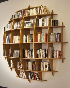 Coole und kreative Bücherregale Cool and Creative Bookshelves The bookshelf has overcome its basic shape and identity as a simple storage device and is now a unique product of design, . home decoration para casa Creative Bookshelves, Bookshelf Design, Bookshelf Ideas, Book Shelves, Bookshelf Inspiration, Storage Shelves, Ladder Bookcase, Bookshelves In Bedroom, Book Storage