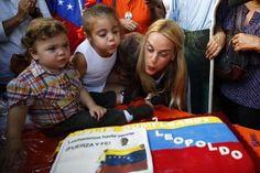 lilian y sus hijos Lilian Tintori: Así como quieren destruir a mi familia, quieren destruir a Venezuela