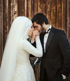 just wowww. *You make me smile everytime you post this picture ❤ Hijabi Wedding, Muslim Wedding Dresses, Muslim Brides, Romantic Wedding Photos, Wedding Couples, Wedding Bride, Bride Groom, Wedding Pictures, Bridal Photography