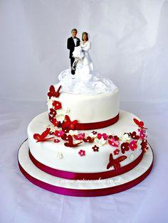 Bespoke Cakes Cheryl S Custom Cakes | Onweddingideas.