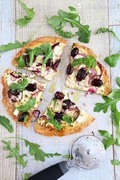 Low-Carb Thin Crust White Pizza (keto, primal / paleo)
