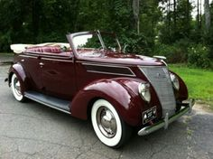 Vintage Cars Classic 1937 Ford Deluxe Model 78 Sedan Convertible - gorgeous shade of burgundy. Ford Motor Company, Retro Cars, Vintage Cars, Antique Cars, Hot Rods, Roadster, Classy Cars, Ford Classic Cars, Muscle Cars