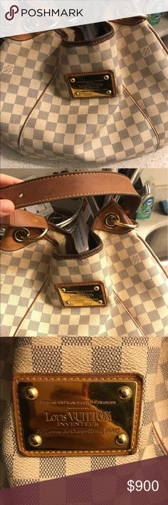 Authentic Louis Vuitton bag Bag is slightly worn Louis Vuitton Bags Shoulder Bags