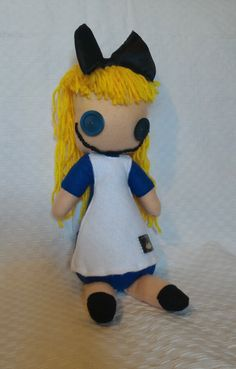 Alice nel paese delle meraviglie.  #puppetz #pupazzo #alice alice
