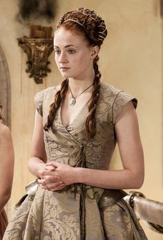 Sophie Turner as Lady Sansa Stark on her wedding day. Game of Thrones Costumes Game Of Thrones, Game Of Thrones Dress, Game Of Thrones Sansa, Got Costumes, Movie Costumes, Amazing Costumes, Sansa Stark Costume, Heros Film, Dress Dior