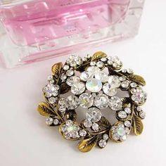 Prendedor Broche Mujer  Brillante Accesorio Elegante con Perlas y Murano Rings, Floral, Flowers, Jewelry, Fashion, Jewels, Glow, Pearls, Ornaments