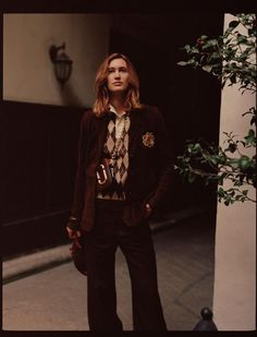 Appearing in the September 2017 issue of L'Officiel Paris, model Laetitia de Montalembert poses in fall style for the editorial. Photographed by Luc Coiffait… Paris Fashion, Autumn Fashion, Laetitia, Eclectic Style, Parisian, Editorial Fashion, Cool Style, Fashion Photography, Stylists