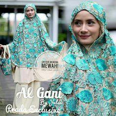 Hijab Tutorial, Brokat, Hijab Styles, Fabric Manipulation, Hijab Fashion, Muslim, Sewing, Womens Fashion, Pattern