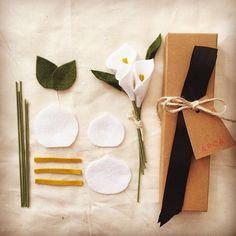 DIY 5-piece Wool Felt Flower Bouquet Kit 3 stems Calla Lily