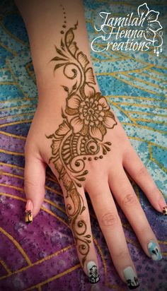 wwww.jamilahhennacreations.com. Shaded flower and paisley henna