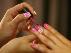 Soon your nail polish could tell you if your drink contains date rape drugs. The innovative polish would work by changing color when it comes in contact with any date rape drug. Gel Nail Tips, Nail Care Tips, Nail Biting Habit, Orange Stick, Spring Nail Colors, Beauty 101, Strong Nails, Healthy Nails, Beautiful Nail Art