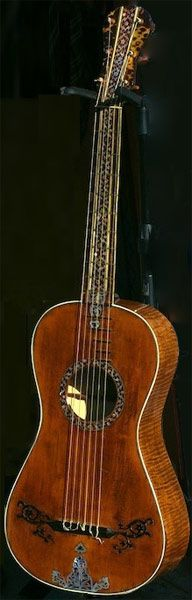 Instrumentos Musicais início, Romantic Guitar antigo por Gio Battista Fabricatore datada de 1797