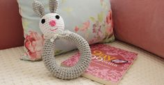 örgü çıngırak tarifi, örgü çıngırak yapılışı, örgü çıngırak nasıl yapılır, knitting pattern free baby , amigurum, ücretsiz tarif,