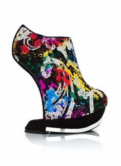 Are you as in love with these round toe heel-less platforms as we are?