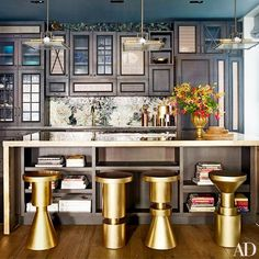 To start of 2015 with some serious inspiration are Chrissy Teigen and John Legend who opened up their Manhattan home to Architectural Digest. John Legend, Architectural Digest, Design Blog, Home Design, Layout Design, Design Homes, Design Trends, Design Ideas, Celebrity Kitchens