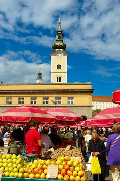 Dolac Fruit & Vegetable Market, Zagreb, Croatia. Our tips for things to do in Zagreb: http://www.europealacarte.co.uk/blog/2011/03/31/things-to-do-zagreb/ #croatia #hrvatska