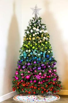 72 Best Christmas Tree Decoration Ideas To Get Inspired This Year | Ecemella Ombre Christmas Tree, Best Christmas Tree Decorations, Unique Christmas Trees, Xmas Tree, Christmas Time, Christmas Tree Inspiration, Rainbow Decorations, Festive, Buffalo Check