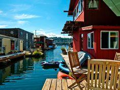 15 Stylish Houseboat