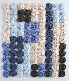 Love the floral look of yo yos? Then use this creative and very easy tutorial from @purl bee to sew together your yo yos and make a unique quilted wallhanging pattern. The look is contemporary and could easily fit in with any style of home decor throughout the year.