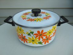 Ecko Country Garden Four and a Half Quart Pot by OldSowellShop