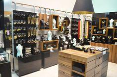 44bc277b9 59 melhores imagens de lojas em 2019 | Boutique design, Outfit store ...