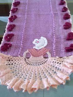 caminho em croche dama
