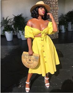 No so mellow yellow wearing two-piece. Classy Outfits, Chic Outfits, Girl Outfits, Black Girl Fashion, Look Fashion, Womens Fashion, Korean Fashion, Looks Plus Size, Look Plus