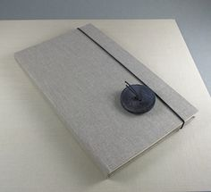 Mariromei, quaderno con bottone vintage