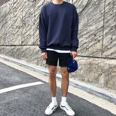 Source by zmileee outing outfits Stylish Mens Outfits, Casual Outfits, Fashion Outfits, Summer Shorts Outfits, Fashion Hair, Korean Outfits, Retro Outfits, Vintage Outfits, Look Man