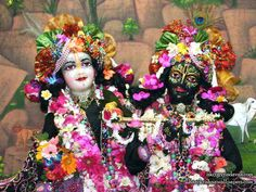 Sri Sri Krishna Balaram Close up Wallpaper Iskcon Vrindavan, Om Namah Shivaya, Krishna Wallpaper, Hare Krishna, Lord Shiva, Deities, Blessings, Close Up, Supreme