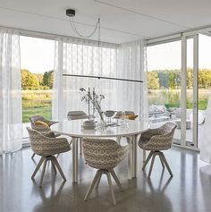 Cara | Bielefelder Werkstätten Sofa Italia, Dining Chairs, Dining Table, Data Sheets, Wooden Frames, Design, Furniture, Home Decor, Swivel Dining Chairs