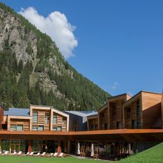 CampZero Active Luxury Resort in Champoluc Alpine Ski Resort, Alpine Skiing, Living Room Stands, Photo Action, Pool Lounge, Hotel Amenities, Turkish Bath, Indoor Swimming Pools, Monaco