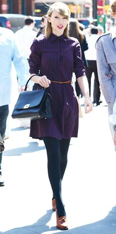 Swift styled her checkered shirtdress for cooler weather with knitted tights and Oxford heels. 68 Reasons Why Taylor Swift Is a Street Style Pro - April 2014 from Taylor Swift Outfits, Taylor Swift Style, Taylor Alison Swift, Look Fashion, Autumn Fashion, Fashion Outfits, Womens Fashion, Fasion, Fashion Beauty