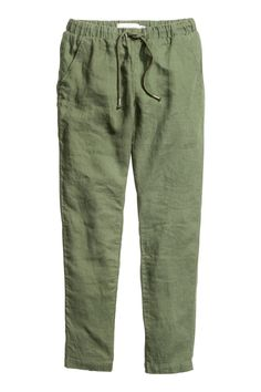 Straight trousers in linen with an elasticated drawstring waist, side pockets and welt back pockets. Black Flare Pants, Green Pants, Fashion Pants, Fashion Outfits, Salwar Pants, Bathing Suit Bottoms, Straight Trousers, Moda Casual, Linen Trousers