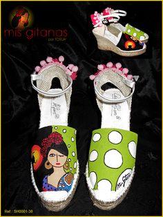 """Calzado """"Mis Gitanas"""" Calzado pintado a mano por Javier Torija."""