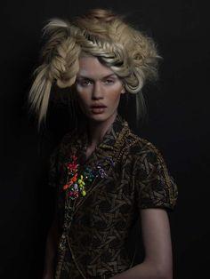 www.esteticamagazine.co.uk | Hair: David Sanchez @ Rizos Photos: David Arnal Make-up: Pilar Lucas Styling: DSquared2 / Llukita for Be Rich Products: L'Oréal Professionnel