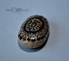mandala painted stone by Unicatella, kamienna mandala, kamień ręcznie malowany  jedyny, niepowtarzalny, w jedynym egzemplarzu :)