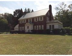 18 Grandview Rd, Chelmsford, MA 01824 - Home For Sale and Real Estate Listing - realtor.com®