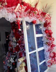Decoracion navidad puerta candy. Blanco y rojo