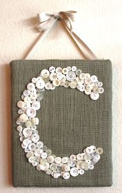 This is a super fun and easy craft to make. Just cover a canvas in your fav fabric and glue on the buttons. To add some demention go over with more buttons in spaces. FOLLOW FOR CRAFT IDEAS!
