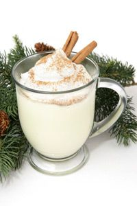 Snickerdoodle Shakeology Everything you love about Snickerdoodles made into a healthy smoothie that you can drink throughout the holiday season without sabotaging your meal plan. It's lightly sweet… Leftover Eggnog Recipe, Eggnog Punch Recipe, Homemade Eggnog, Healthy Smoothie, Smoothies, Holiday Drinks, Holiday Recipes, Christmas Drinks, Holiday Treats