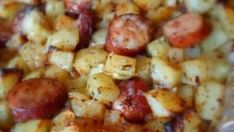 Oven Roasted Smoked Sausage Cheesy Potatoes - looks really nice! 1 package of smoked sausage (Peel if necessary, and slice into rounds) 1 large onion, peeled and chopped 5 large potatoes, peeled and chopped into inch cubes olive oil fine sea salt Smoked Sausage And Potato Recipe, Smoke Sausage And Potatoes, Baked Sausage, Cheesy Potatoes, Oven Potatoes, Potatoes Crockpot, Recipes With Summer Sausage, Recipes With Chorizo Sausage, Johnsonville Sausage Recipes