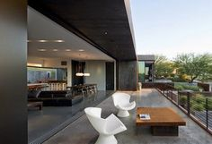 Casa Yerger http://www.arquitexs.com/2014/08/casa-Yerger-fachada-acero-corten-Arizona.html