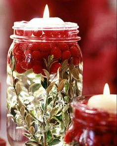 I think this is very elegant yet simple~ Christmas candles Layer the bottom with greenery, and then add a handful or two of cranberries. Pour water into the jar, causing the cranberries to float to the top. Insert a floating candle. Christmas Mason Jars, Christmas Candles, Noel Christmas, Simple Christmas, Winter Christmas, All Things Christmas, Christmas Decorations, Christmas Centerpieces, Wedding Centerpieces