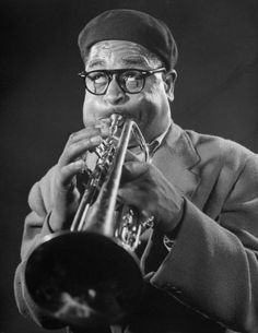 (AP Images) Dizzy Gillespie was an incredibly famous jazz musician. He was a trumpeter, and a famous one at that, taking over the jazz world. New York Cool Jazz, Jazz Artists, Jazz Musicians, Music Artists, Ella Fitzgerald, Dizzy Gillespie, Classic Portraits, Miles Davis, Jazz Blues
