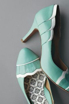 Such beautifully vintage shoes!