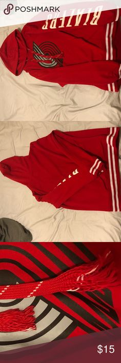 Portland Trailblazers Hoodie Great hoodie for running or just to go out and catch yourself s cup of coffee! Overall wonderful condition NBA Shirts Sweatshirts & Hoodies