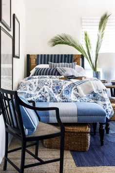 Blue White Bedroom Design Unique 25 Best Blue Rooms Decorating Ideas for Blue Walls and Coastal Master Bedroom, Coastal Bedrooms, Single Bedroom, Blue Bedroom, Luxurious Bedrooms, Bedroom Decor, Modern Bedroom, Bedroom Ideas, Girls Bedroom