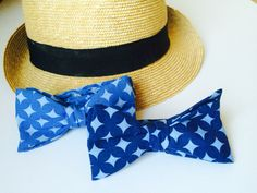 Cotton bow ties in blue color. Perfect with jeans and a hat.